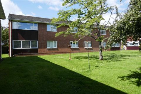 3 bedroom maisonette for sale - Amroth House, Bishops Close, Whitchurch, Cardiff