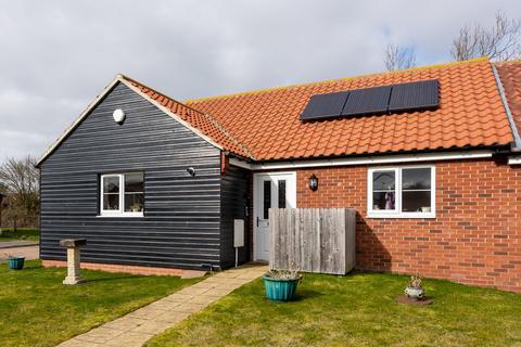 2 bedroom semi-detached bungalow for sale - Swanton Morley