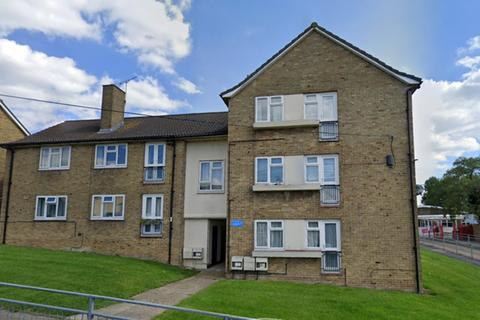 3 bedroom apartment to rent - Chace Avenue, Potters Bar
