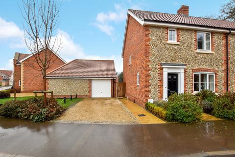 3 bedroom semi-detached house for sale - Eccles Way, Holt