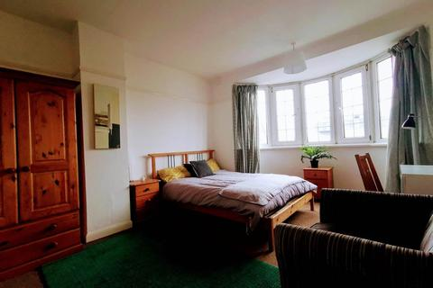 1 bedroom in a house share to rent - Oldbury Court Road, Fishponds, Bristol