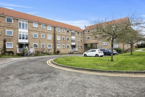 2 bedroom flat to rent - Links Side, Enfield EN2