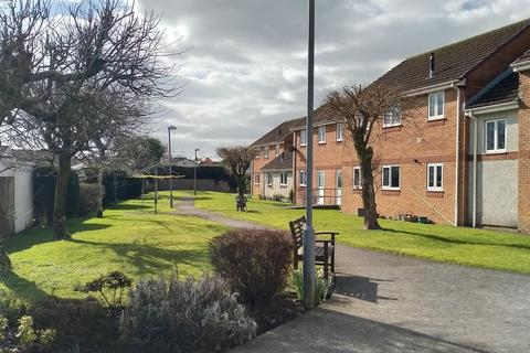 2 bedroom flat for sale - Tudor Court, Murton, Swansea