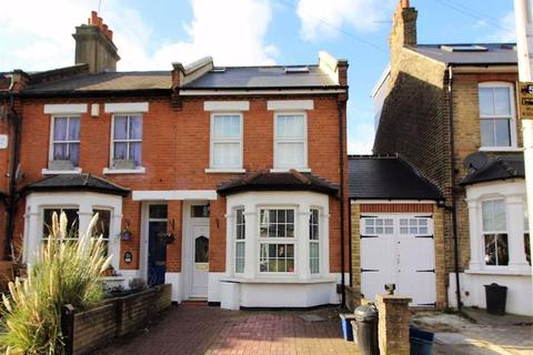 4 bedroom terraced house to rent - Carnarvon Road, South Woodford
