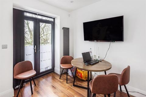 2 bedroom semi-detached house for sale - Pirbright Road, Southfields, London