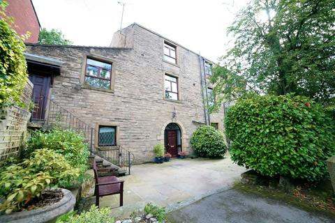 3 bedroom flat to rent - High Street, Lees, Oldham, OL4