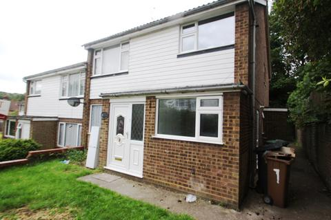 2 bedroom maisonette for sale - Chadwell Close, High Town, Luton, LU2