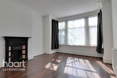 3 bedroom flat to rent - Lyndhurst Drive, E10