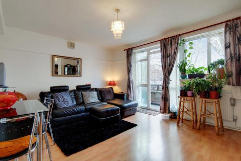 3 bedroom flat for sale - Kipling House, Camberwell, SE5 7JB