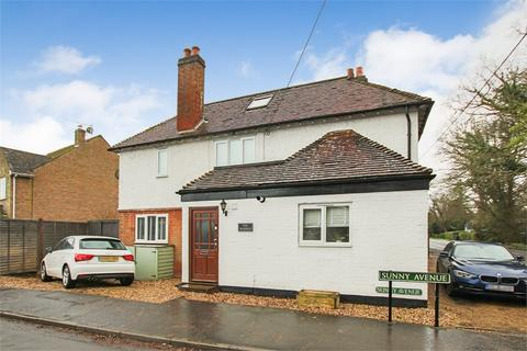 2 bedroom semi-detached house for sale - Sunny Avenue, Crawley Down, West Sussex