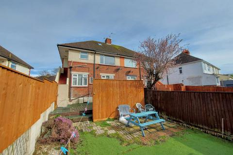 2 bedroom flat for sale - Wharfdale Road, Poole, BH12 2ED