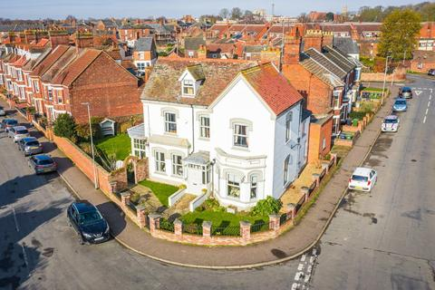 6 bedroom detached house for sale - King's Lynn