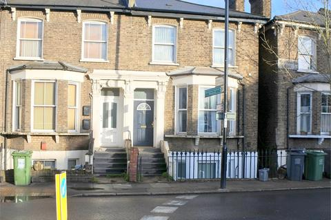 1 bedroom ground floor flat for sale - Shardeloes Road, New Cross, London,