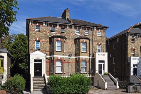 2 bedroom flat to rent - Waldram Park Road, SE23