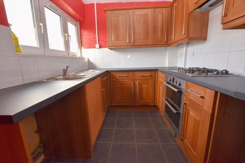 3 bedroom flat to rent - Capern Grove, Harborne