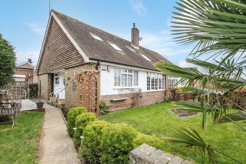 4 bedroom semi-detached bungalow for sale - Horsham Road, Findon Village, Worthing BN14 0UY