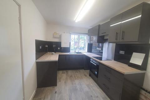 4 bedroom semi-detached house to rent - Hanover Road, Seven Sisters, London, N15 4DL