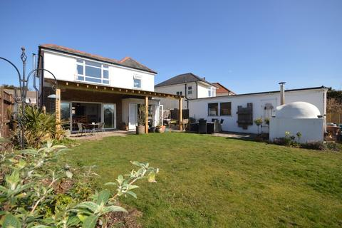 3 bedroom detached house for sale - Strouden Road, Bournemouth