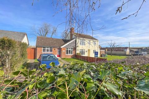 2 bedroom semi-detached bungalow for sale - St. Giles Close, Totternhoe