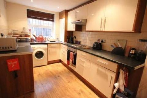 5 bedroom terraced house to rent - Hartley Grove, Woodhouse, LS6