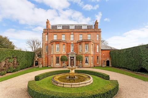 5 bedroom detached house for sale - Dorking Road, Epsom, Surrey
