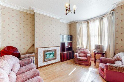 3 bedroom terraced house for sale - Victor Road, Kensal Green, London