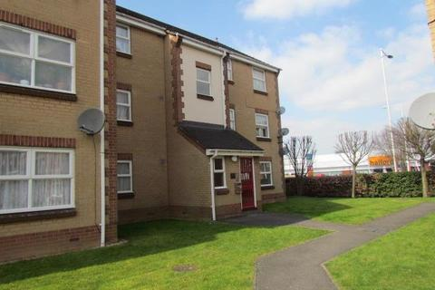 2 bedroom flat to rent - Burns Avenue, Chadwell Heath, Romford