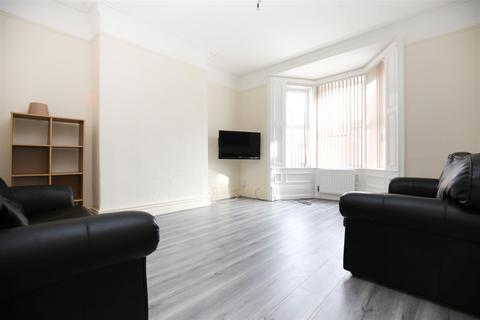 6 bedroom terraced house to rent - Heaton Hall Road, Heaton, NE6