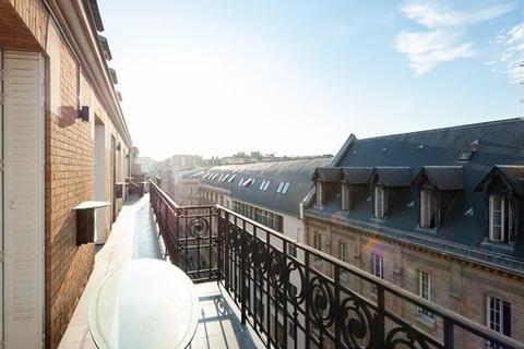 3 bedroom apartment - PARIS, 75016