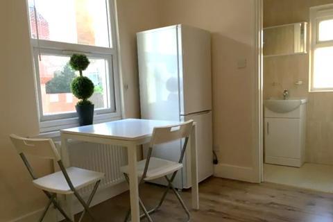 1 bedroom flat to rent - Gastein Road , London , W6