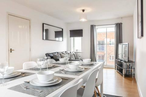 3 bedroom apartment for sale - Stretford Rd, Hulme, Manchester. M15 4AY