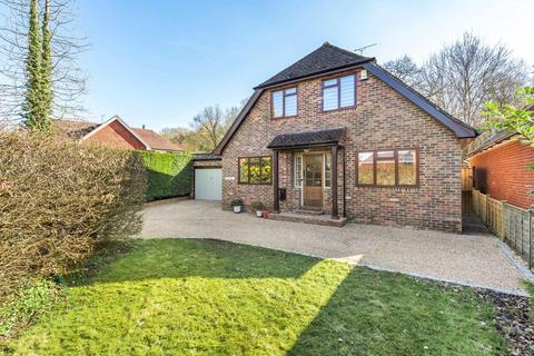 4 bedroom detached house for sale - Dauxwood Close, Billingshurst, West Sussex, RH14