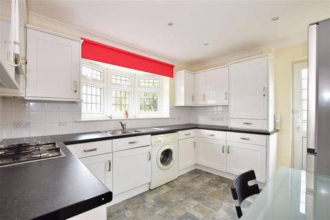 2 bedroom detached bungalow for sale - Shepherds Close, Chadwell Heath, Essex