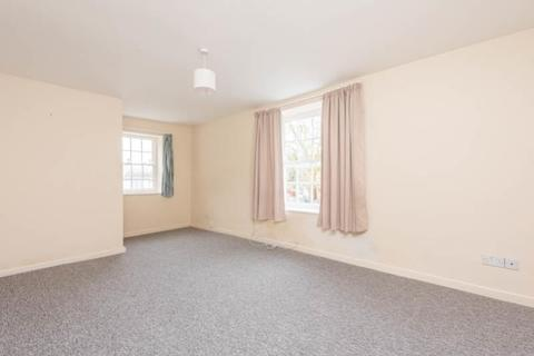 2 bedroom flat to rent - Market Square, Bampton, Oxfordshire, OX18