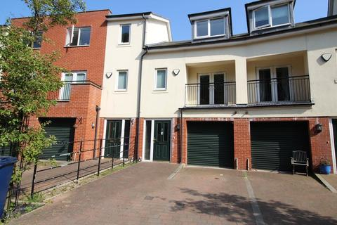 4 bedroom townhouse to rent - St. Catherines Court, Sandyford, Newcastle upon Tyne, Tyne and Wear, NE2 1AG