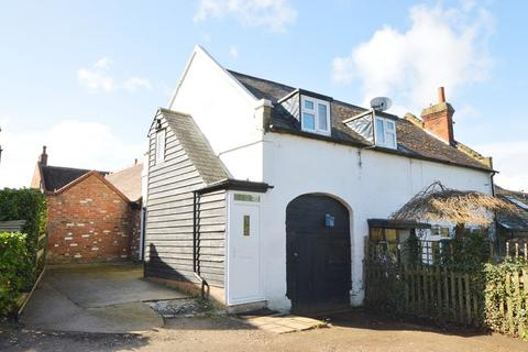 1 bedroom semi-detached house for sale - Barwell Lane, Chessington, Surrey. KT9 2LZ