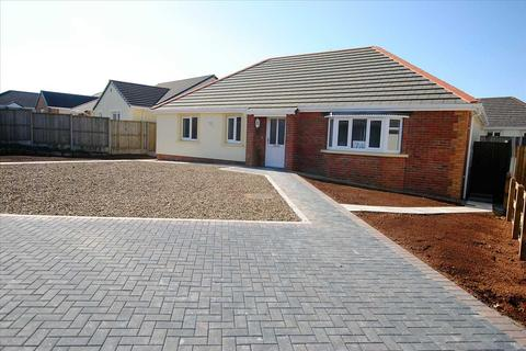 3 bedroom detached bungalow for sale - 74 Gibbas Way