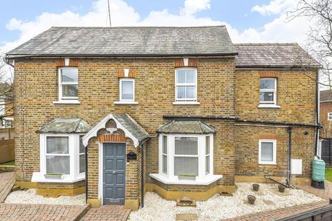 3 bedroom detached house for sale - Shortlands Road, Kingston upon Thames