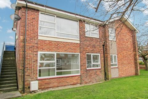 1 bedroom ground floor flat for sale - Glendale Avenue, Choppington, Northumberland, NE62 5AN