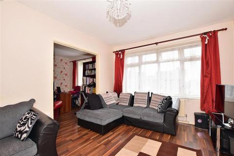 3 bedroom maisonette for sale - Charlton Crescent, Barking, Essex