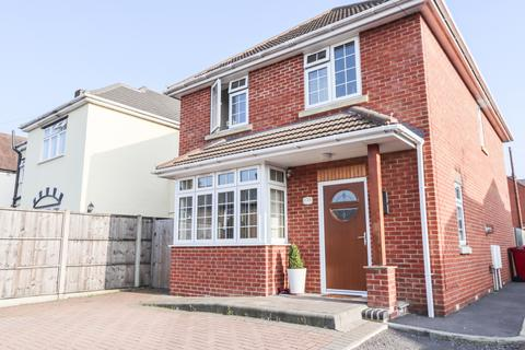 4 bedroom detached house for sale - Upton Road,  Slough, SL1