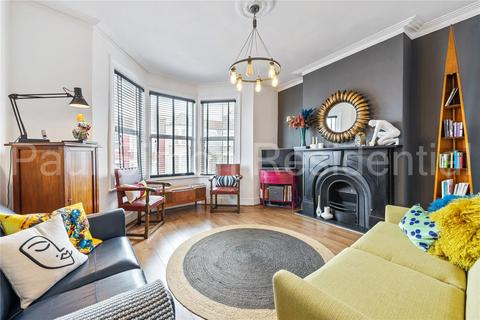 3 bedroom apartment for sale - Wightman Road, Haringay, London, N8