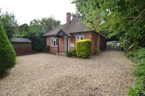 2 bedroom character property to rent - Hill Farm Road, Taplow SL6