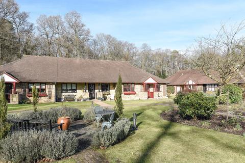 2 bedroom bungalow to rent - Ascot,  Berkshire,  SL5