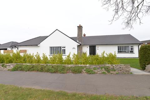 3 bedroom detached bungalow for sale - Orchard Grove, New Milton