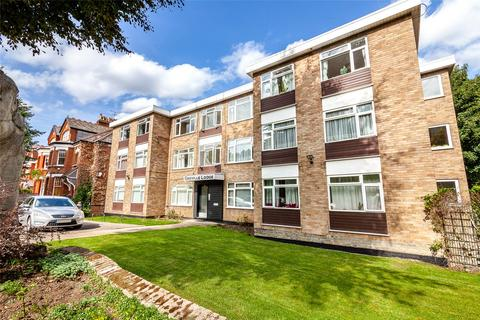 2 bedroom flat for sale - Avenue Road, London, N6