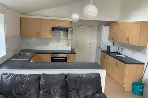 5 bedroom end of terrace house to rent - Suez Road, ,