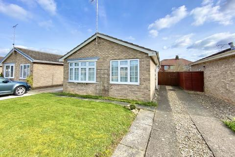 2 bedroom detached bungalow for sale - Elm Road, Driffield