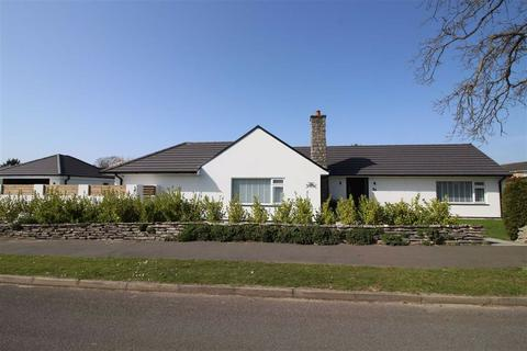 3 bedroom detached bungalow for sale - Orchard Grove, New Milton, Hampshire