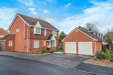 4 bedroom detached house for sale - Ladyfields Close, Bobbing ME9